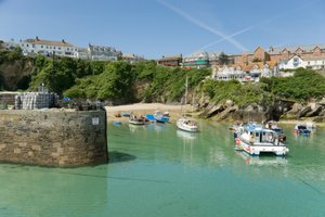 newquay walking holidays, north cornwall coast footpath, uk long distance trails