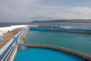 penzance lido, uk walking holidays cornwall coast path trail self guided walking holidays cornwall