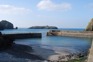 mullion cornwall, walking holidays england, long distance footpaths uk, south west walking holidays