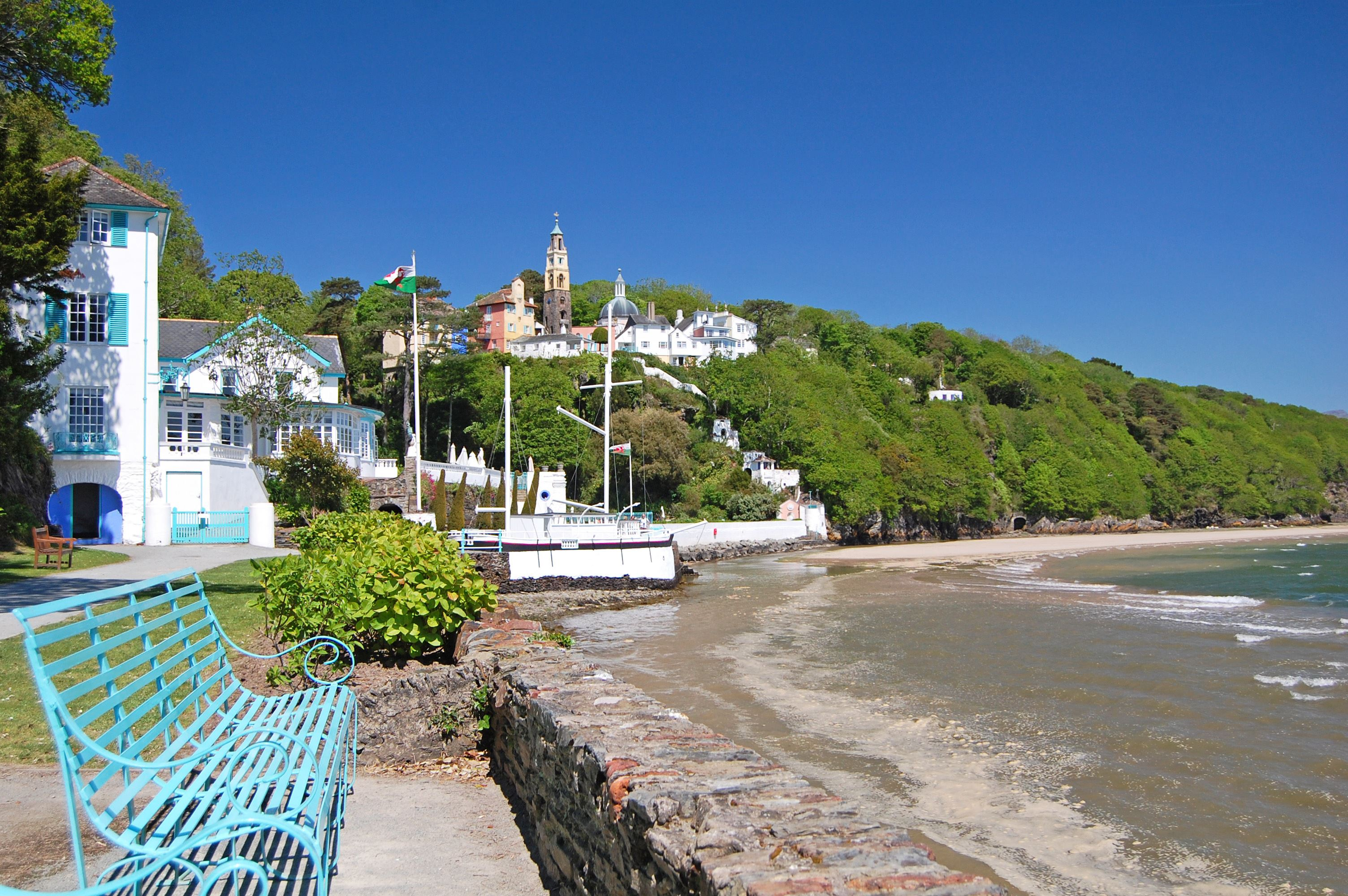 The coast path leading into Portmeirion