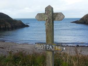 Fforest Bay, Wales. Walks in Wales on the Pembrokeshire Coastal Path.