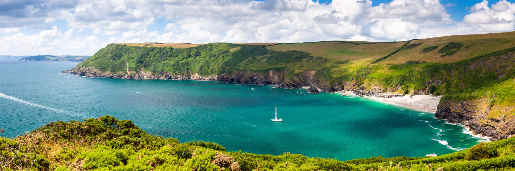 Lantic Bay on Cornish coastal path